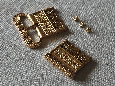 Flemish buckle and belt ending, gilded silver
